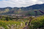 Hiking in Parque Rural de Teno with view to the Montana del Palmar