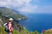 Hiking at the Baia di Leranto with view along the Amalfi Coast