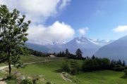 Hiking trail with idyllic mountain views in the Aosta Valley