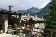 Valle Maira mountain hut