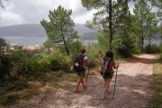 Hiking towards Pontevedra, (c) Jose Antonio Gil Martinez, Wikimedia Commons