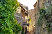 Walking around the medieval streets of Les Baux de Provence