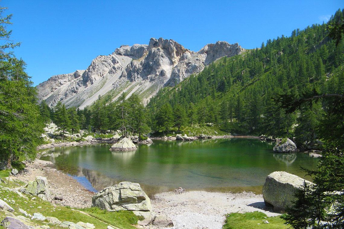 Mercantour-Lac_Vert_de_Fontanalbe-Patrick-Rouzet-[CC-BY-SA] Wikimedia Commons