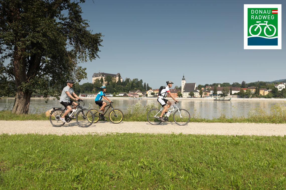 Cycling the Danube from Passau to Vienna (c) Oesterreich Werbung /Peter Burgstaller