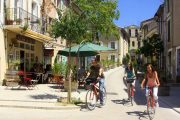 Cycling among the pretty villages of Provence