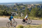 Cycling with a view to Les Baux de Provence