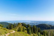 Hochfelln hiking trail with Chiemsee in the background