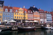 Start and finish in coulourful Nyhavn in Copenhagen