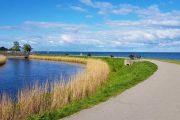 Coastal cycle path at Charlottenlund Fort