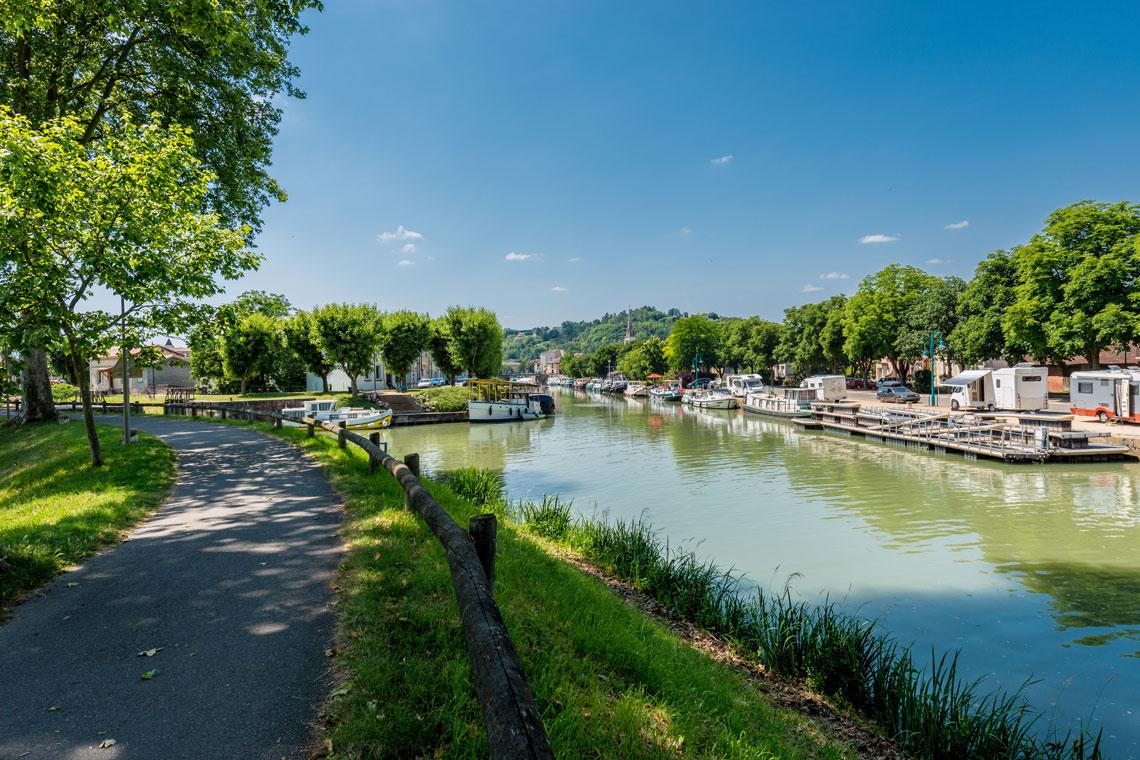 Canal de Garonne cycling holiday