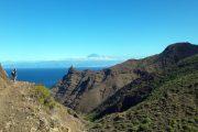 Udsigt til Tenerifes vulkan Teide, der hæver sig over skyerne