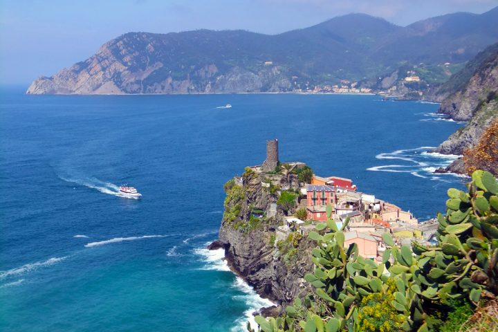 Vernazza set oppefra