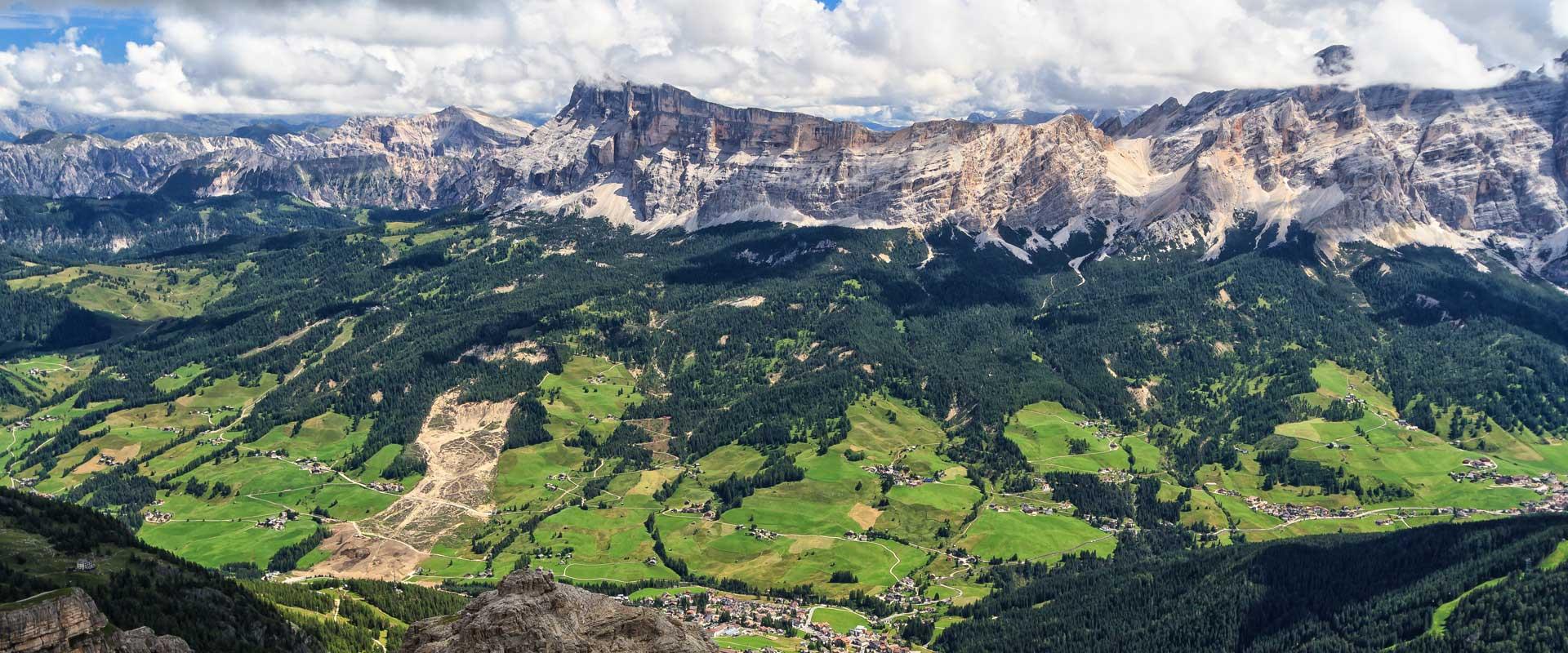 Vandretur I Dolomitterne Val Badia Vandring Pa Egen Hand