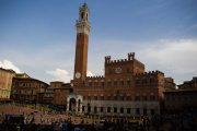 Siena-Piazza-del-Campo-mateus-campos-felipe-1606551-unsplash