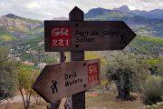 Mallorca walking signposts