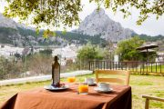 Morgenmad med udsigt i Sierra de Grazalema.