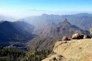 Udsigt fra Roque Nublo med Tenerife og Teide 'svævende' over skyerne