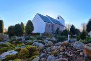 Øster Nykirke lidt uden for Kollemorten er Danmarks højst beliggende kirke