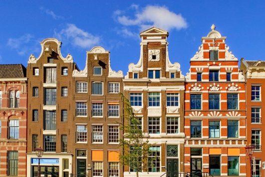 Karakteristiske bygninger i Amsterdam.