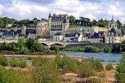 Amboise med Loirefloden foran (c) Rolf Kranz / Wikimedia Commons
