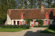 Hytte nær Château de Fougères-sur-Bièvre (c) Gerd Eichmann / Wikimedia Commons