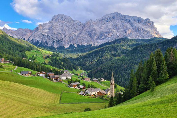 Vandreferie i Dolomitternes Val Badia