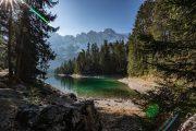 Den fortryllende sø Eibsee, der er en af Tysklands smukkeste