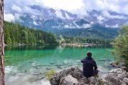Udsigt over Eibsee-søen til Zugspitze